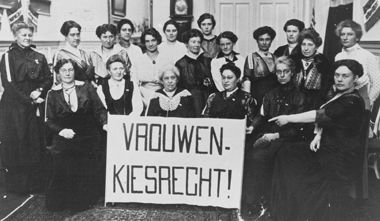 Sinterklaasbijeenkomst van het Haagsche Propaganda Comité voor vrouwenkiesrecht, 26 november 1915